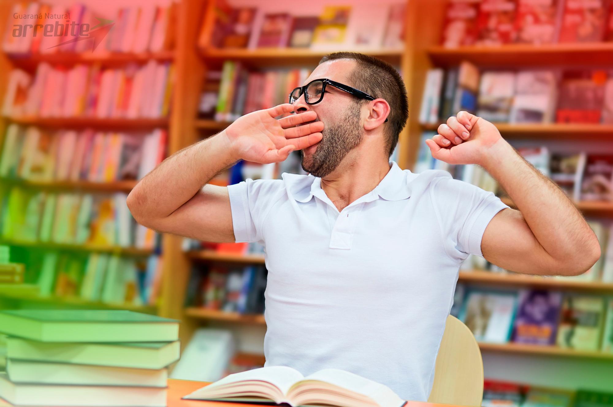5 Formas de Ficar Acordado  Para Estudar Sem Prejudicar o Sono